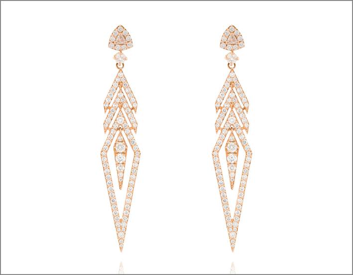 Orecchini a freccia in oro rosa e diamanti bianchi