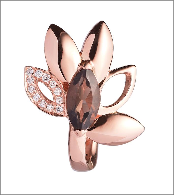 Orecchino in oro rosa con quarzo fumé e diamanti