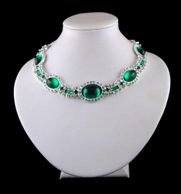 Choker di diamanti e smeraldi appartenuto alla principessa Diana
