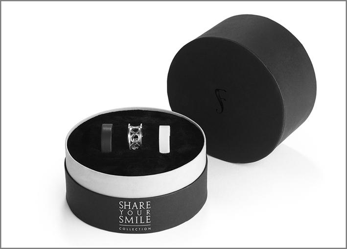 Cofanetto di anelli della collezione Share your smile