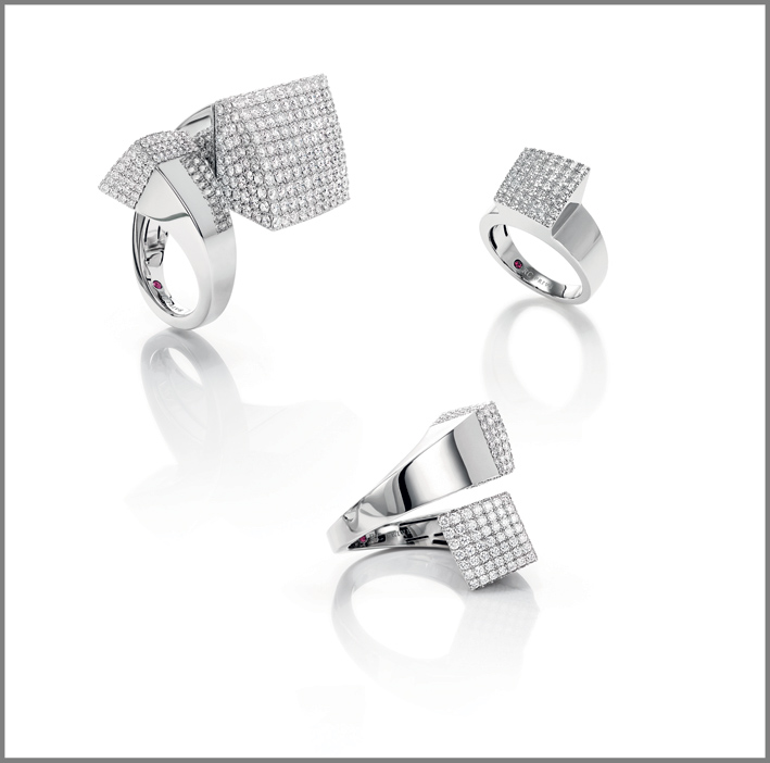White gold rings with white diamonds