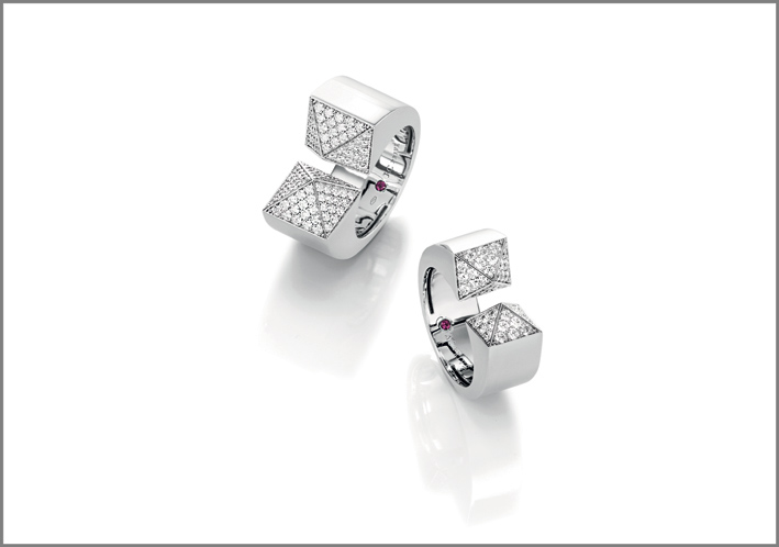 White gold rings with diamonds