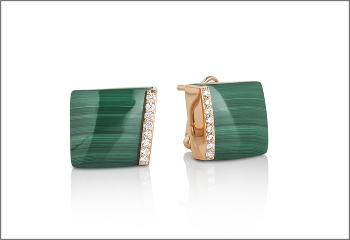 Rose gold stud earrings with malachite diamonds