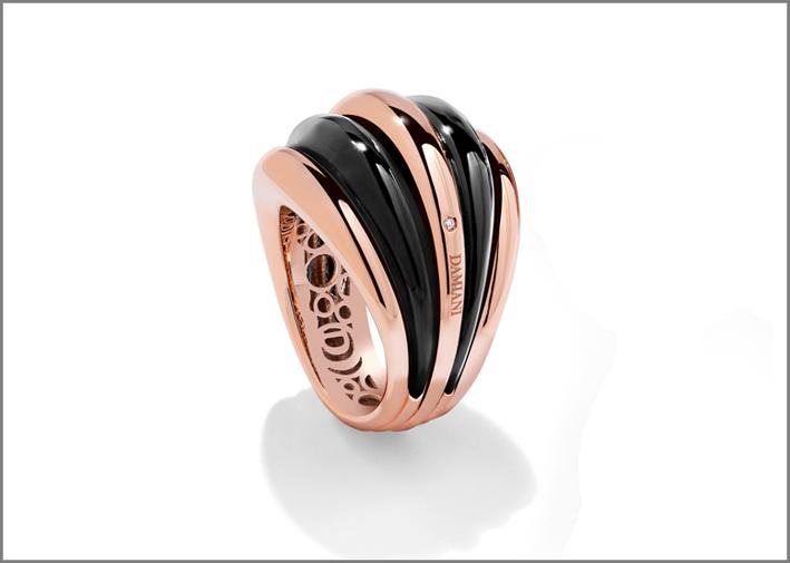 Damiani, collezione Spicchi di Luna, anello in oro rosa e onice