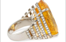 Amy Burton, anello Solis con grande zaffiro giallo non riscaldato, diamanti, platino