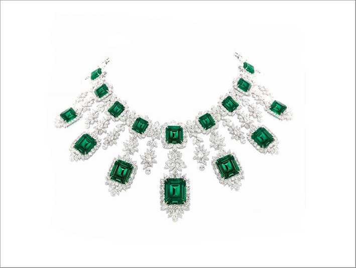 Collana con diamanti e smeraldi taglio smeraldo