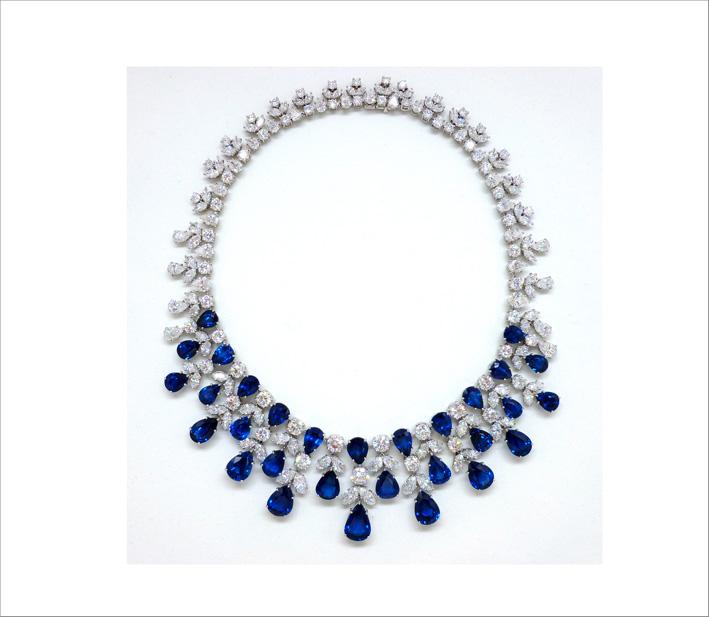 Collana con diamanti e zaffiri