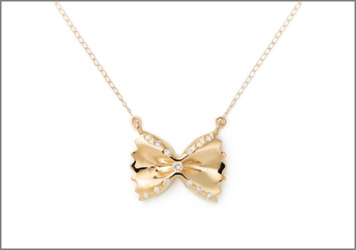 Collana con ciondolo a forma di farfalle, in oro 14 carati e diamanti