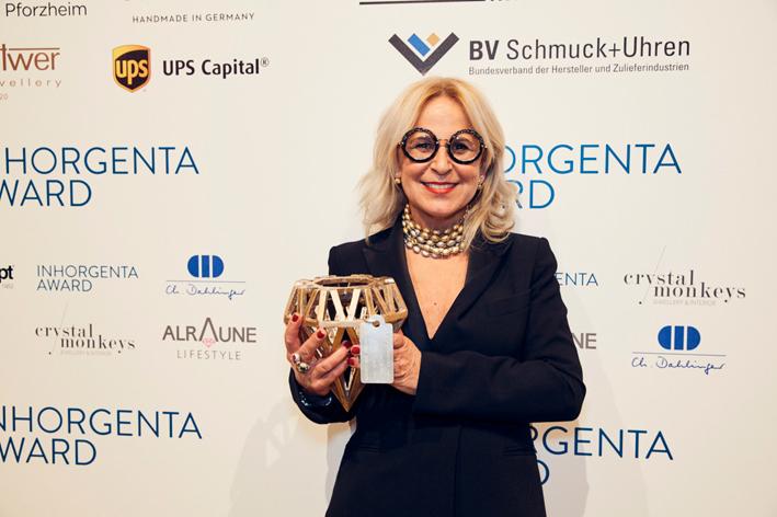Laura Bicego riceve il premio Inhorgenta per la migliore Fine Jewelry