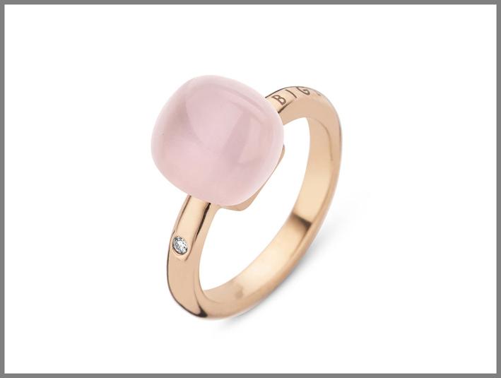 Anello in oro rosa con diamante e quarzo rosa