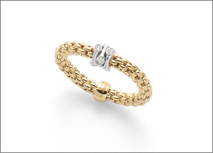 Anello in oro e diamanti della collezione Prima