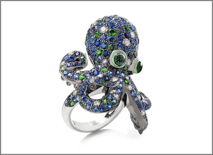 Anello Octopus in oro bianco, zaffiri blu, tormalina verde, granato, diamanti
