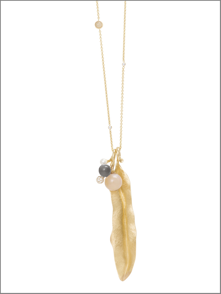Ole Lynggaard, pendente in oro della collezione The Blooming