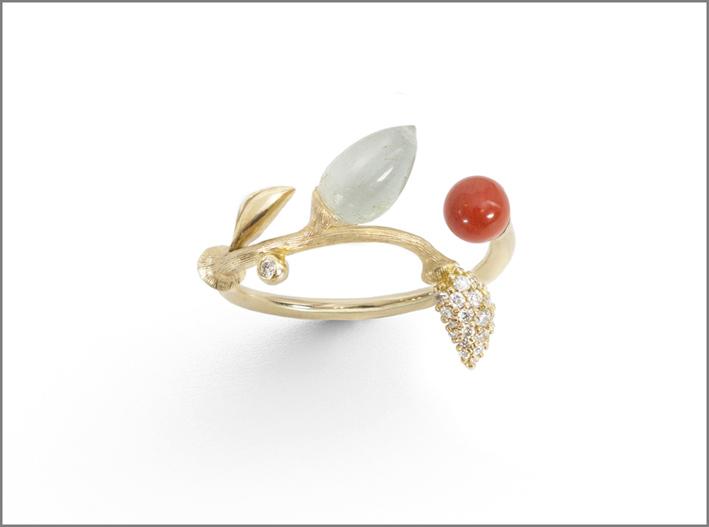 Anello con diamanti e corallo rosso, acquamarina