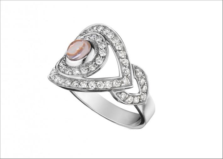 Anello in oro bianco, diamanti, quarzo al centro
