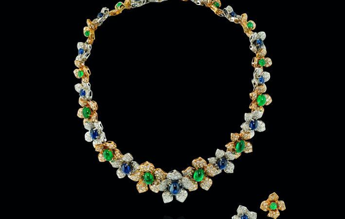 Demi-parure in diamanti, smeraldi e zaffiri