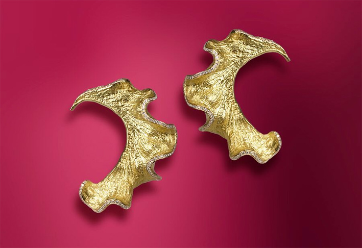 Orecchini Epluchire, oro 18 carati e diamanti