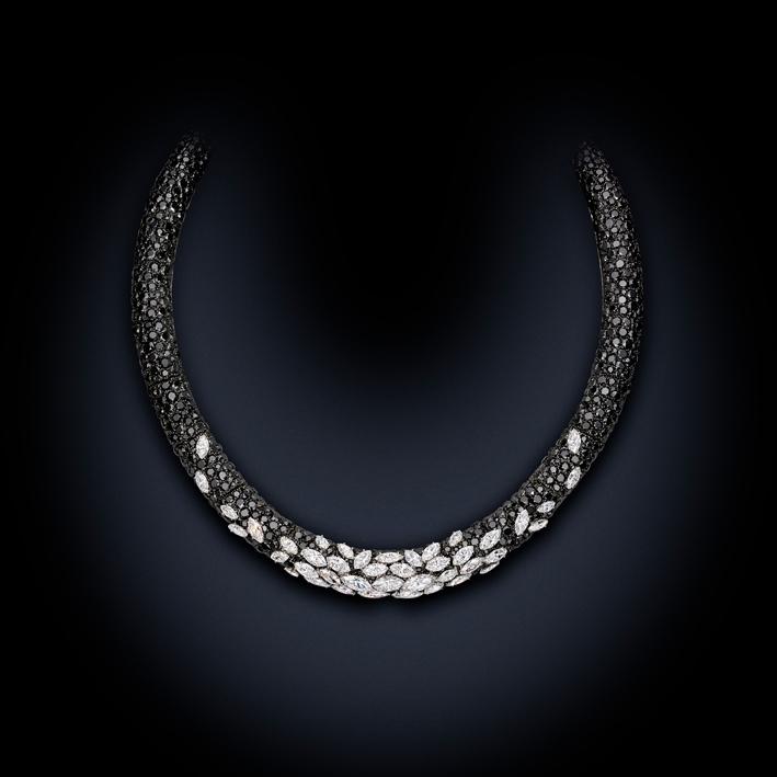 La collana senza il diamante pendente