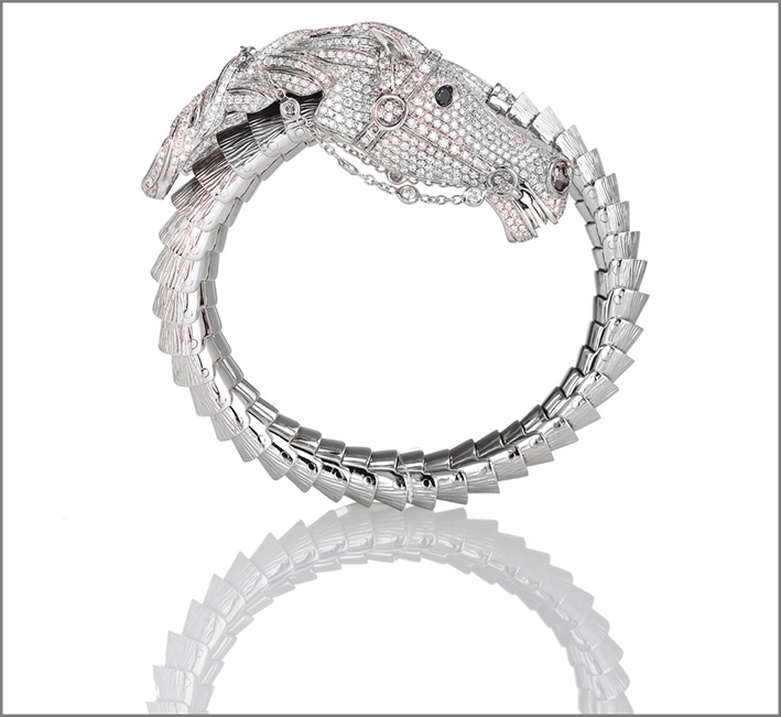 Horse, white gold bangle with white and back diamonds