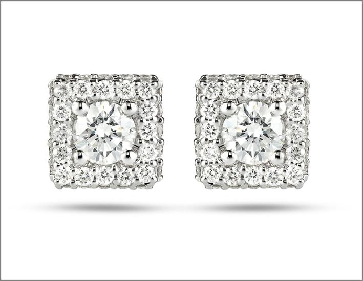Orecchini in oro bianco e diamanti della collezione Impero Snow