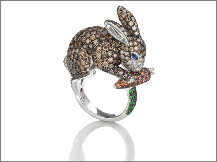 Rabbit, white gold ring with brown diamonds, blue and orange sapphires and natural green garnet