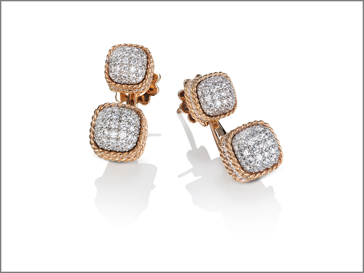 Earrings in rose gold with diamonds