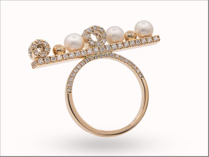 Anello della collezione Cocktail Party in oro, perle e diamanti