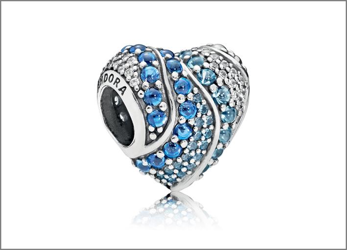 Pandora, charm della linea Aqua Heart in argento e cristalli di Murano