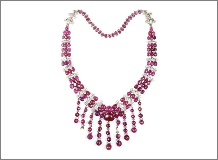 Collana di Maubussin con rubini e diamanti