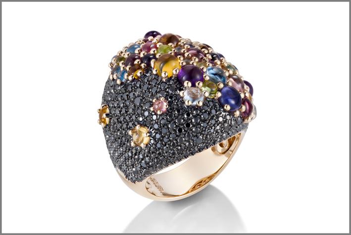 Mattioli, anello della collezione Candy con pavé di diamanti neri