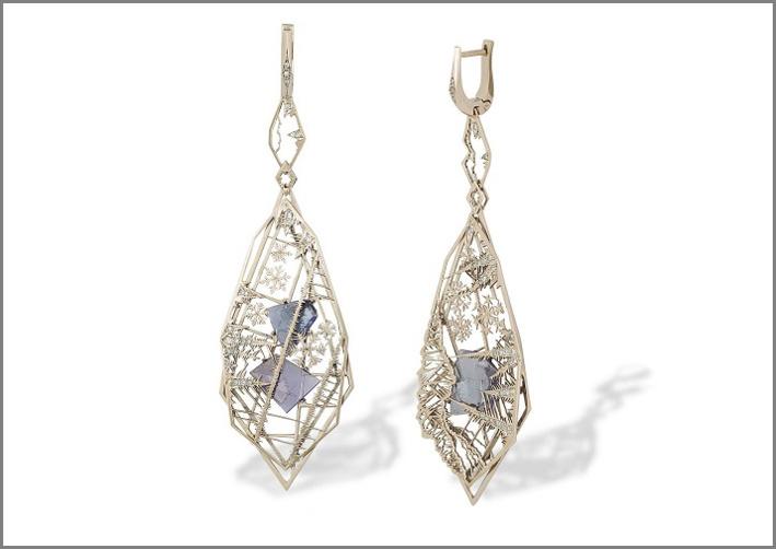 Orecchini Ice, oro, diamanti e acquamarina
