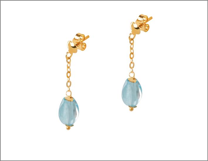 Orecchini in oro 9 carati con pietra topazio azzurro