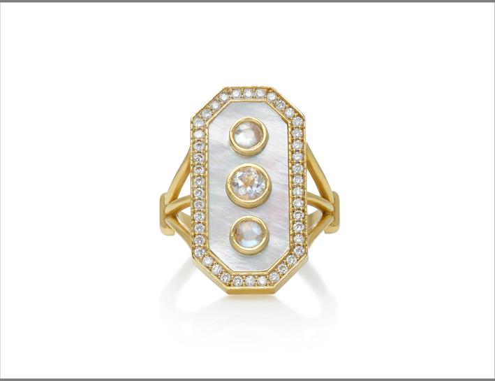 Anello Venus in oro e diamanti, pietra luna