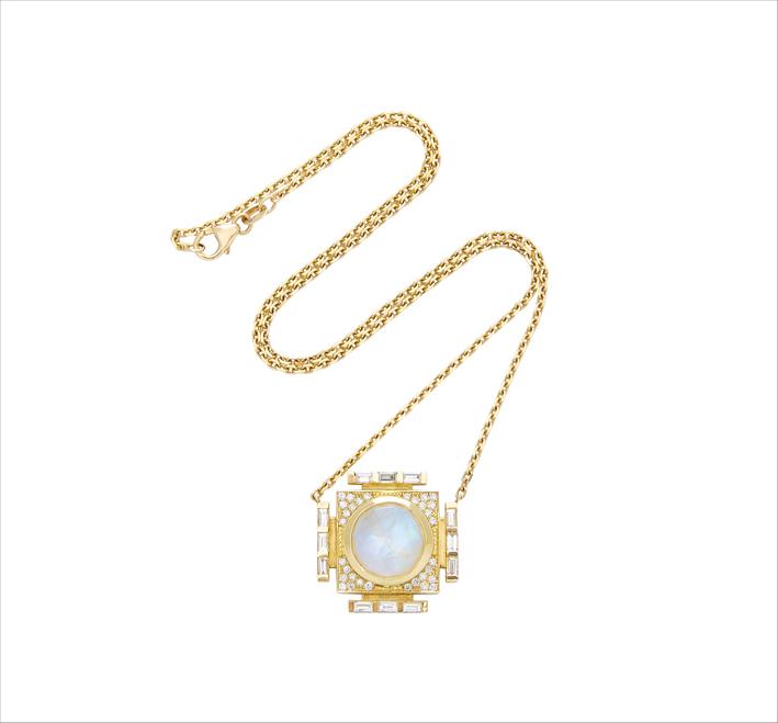 Collana in oro giallo, diamanti, pietra luna