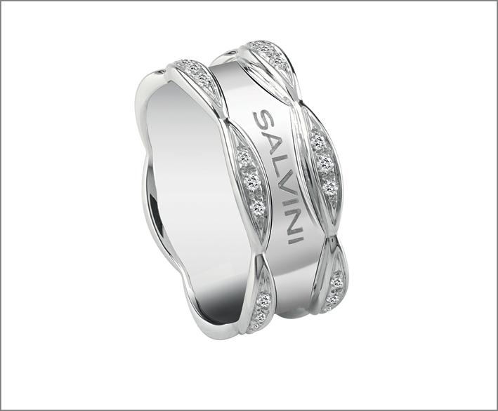 Salvini, anello in oro bianco e diamanti