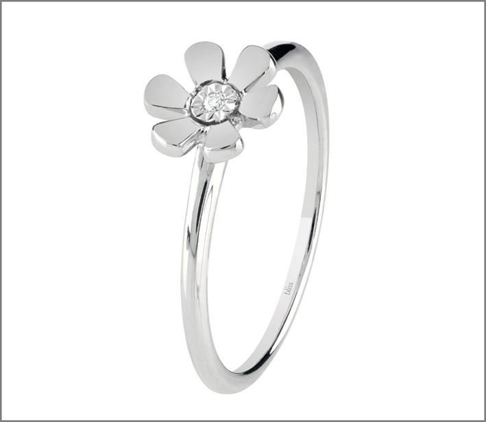 Anello a fiore in oro bianco e diamante