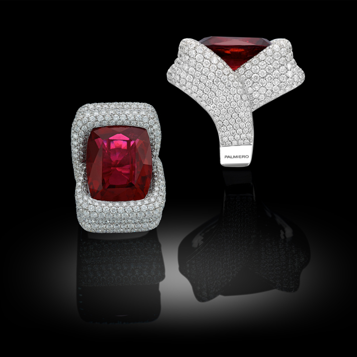Captured Stones Rubellite: anello in diamanti bianchi e rubellite centrale su oro bianco