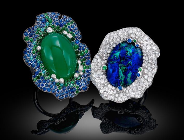 Embracing Flowers: anello in diamanti bianchi, zaffiri, pietre semipreziose e opale centrale