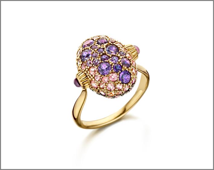Anello in oro 18kt e diamanti con pavè di Tsavorite, Zaffiri Rosa e Ametista