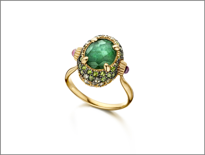 Anello Reverse in oro 18kt con doublette con Labradorite Verde e Cristallo di Rocca