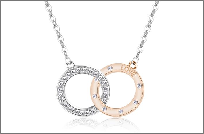 Collana in acciaio con due cerchi intrecciati in acciaio e pvd oro rosa con incisioni sul retro, cristalli Swarovski