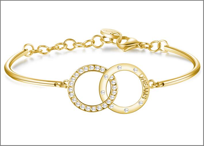 Bracciale in pvd oro con due cerchi intrecciati in pvd oro con incisione e cristalli Swarovski