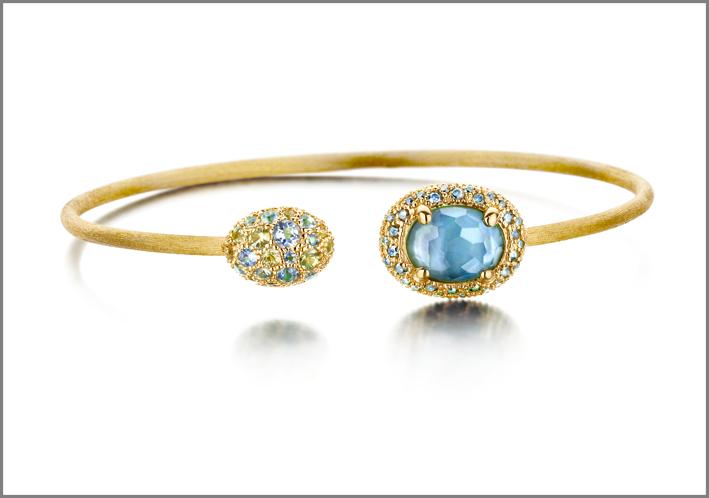 Bracciale Reverse in oro 18kt con doublette con Madreperla e Topazio Blu London