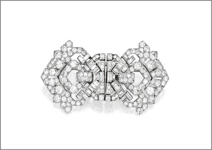 Spilla clip di Cartier in oro bianco e diamanti