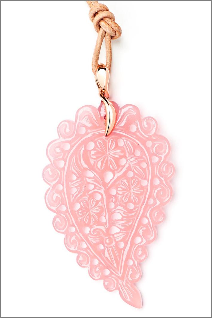 Foglia paisley in calcedonio rosa, collezione India