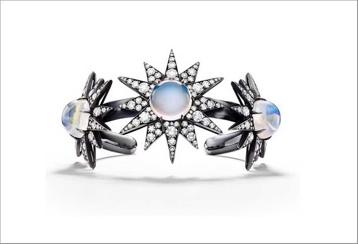 Bracciale con pietra luna e diamanti