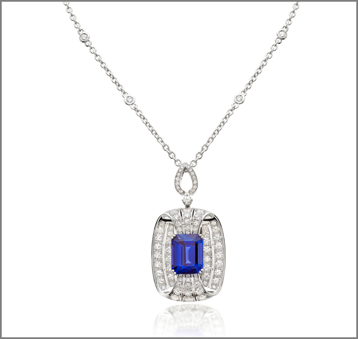 Octagonal tanzanite (13.90 ct) and diamond (5.42 ct) pendant set in white gold