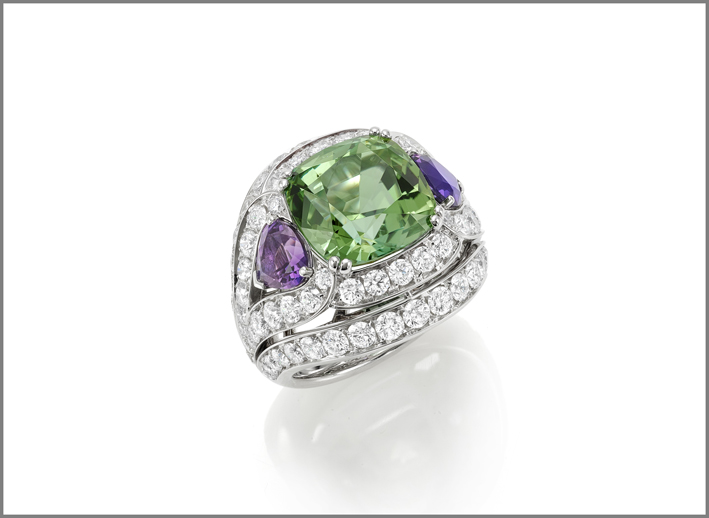 Cushion green tourmaline (8.52 ct) amethyst (1.56 ct) and diamond (3.35 ct) ring set in white gold
