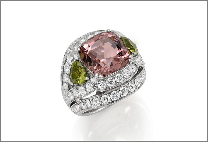 Cushion green tourmaline (8.38 ct) peridots (1.99 ct) and diamond (3.32 ct) ring set in white gold