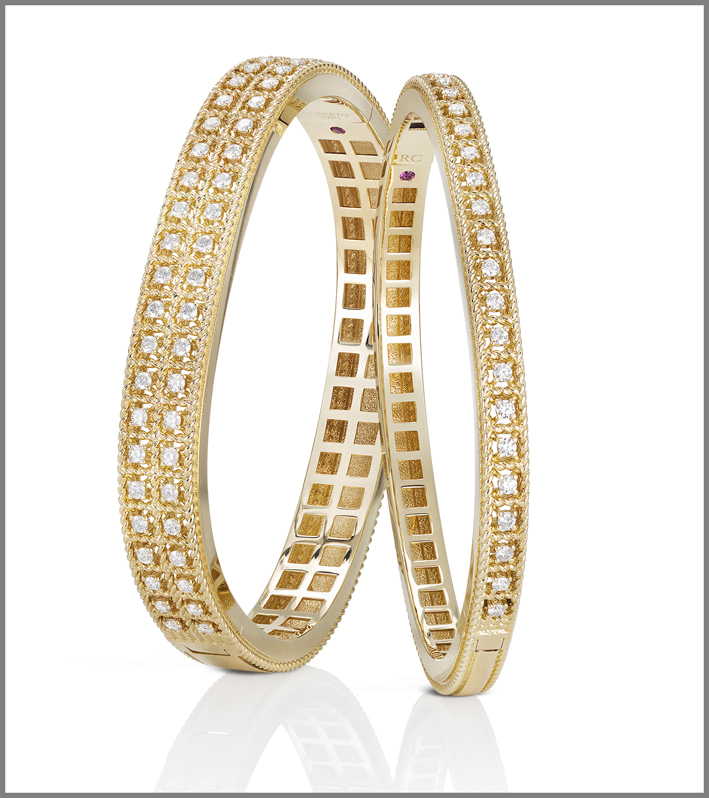 Yellow gold bangles with diamonds